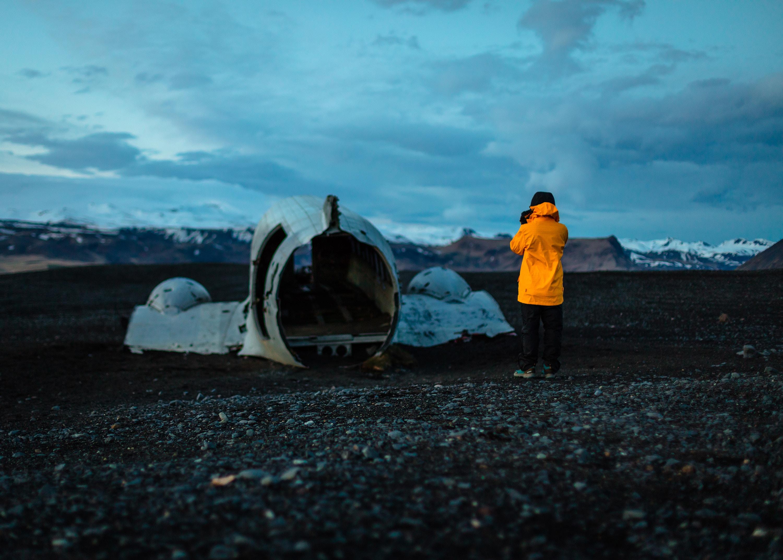 Фото: 14 фото заброшенного самолета у берегов Исландии