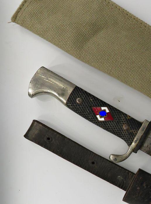 Нацистский нож с заводским номером