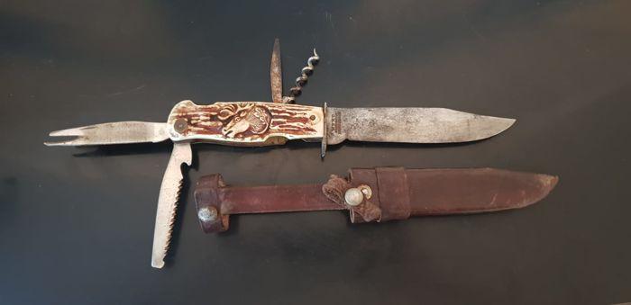 Фото: Найден редкий нож молодежного батальона