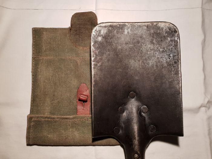 Лопата немецкого рядового солдата. Фото находки