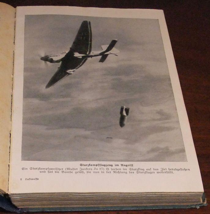 Фото: Немецкая книга 1939 года выпуска
